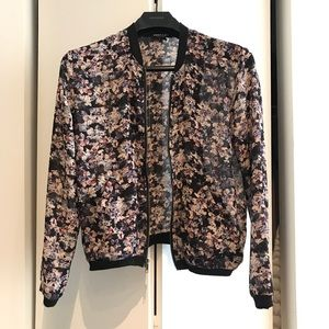 ABOUT A GIRL Light Floral Jacket